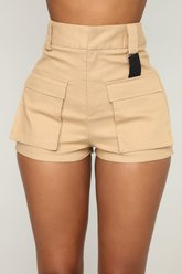 Short cargo sur place - Tan - Fashion Nova
